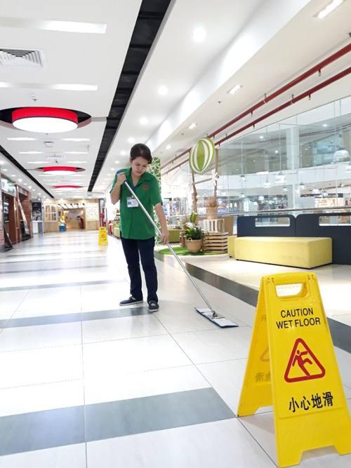 dịch vụ vệ sinh trung tâm thương mại