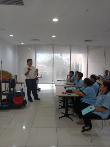 dịch vụ vệ sinh văn phòng tại tphcm