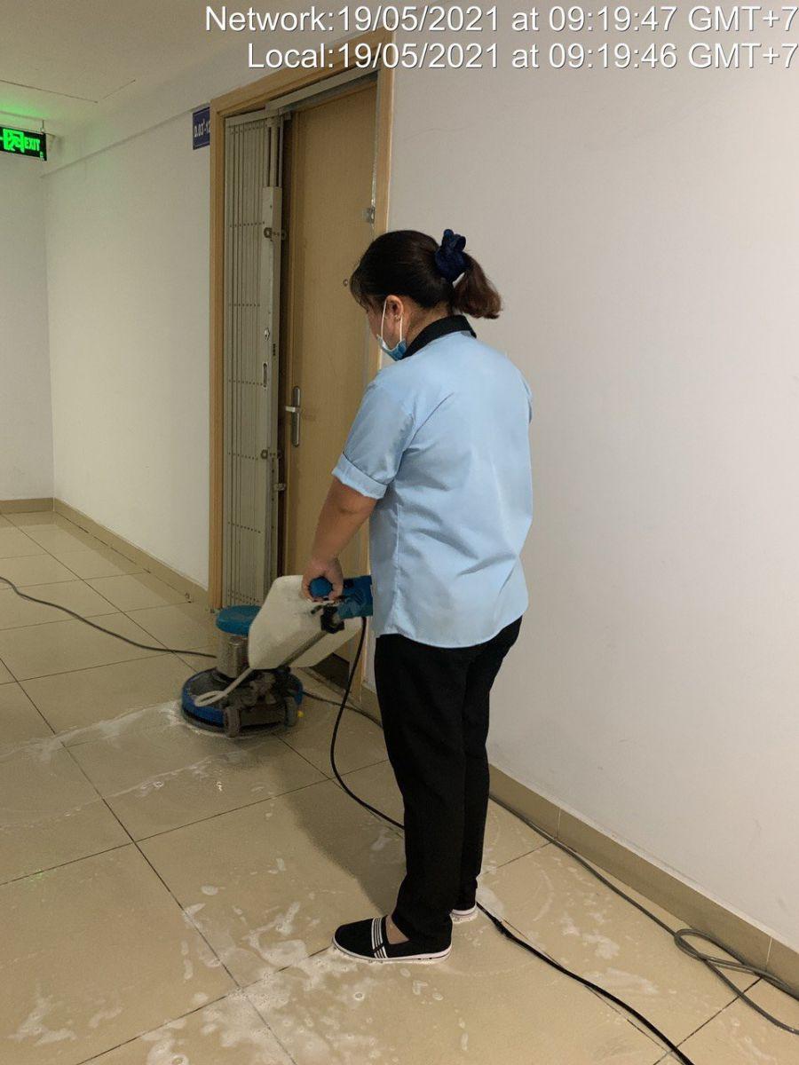 dọn vệ sinh trường học sạch sẽ