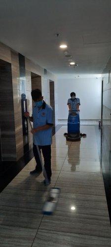 vệ sinh công nghiệp tòa nhà